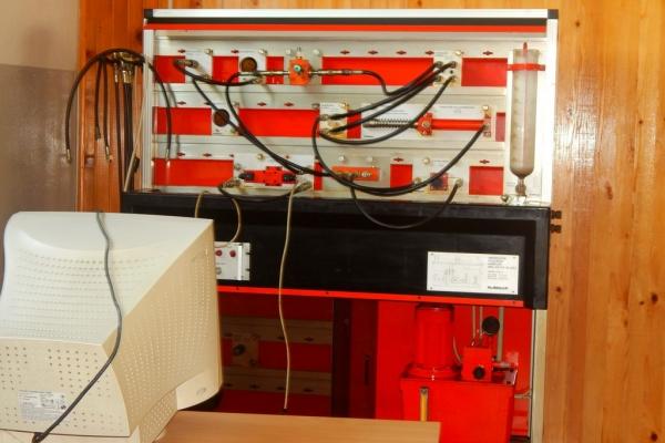 kabinet-hidraulike-i-pneumetike0487F2B2AC-3B57-8133-0388-8501F0FD8418.jpg