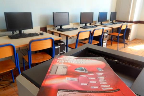 kabinet-informatike5E79288EB-CEB4-CF7F-16DC-FF6087C3930C.jpg